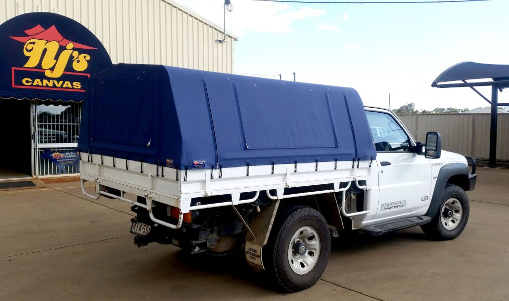 Ute with Navy Canopy & NJu0027s Bob Power Canvas Toowoomba - Specialising in Canvas and Vinyl